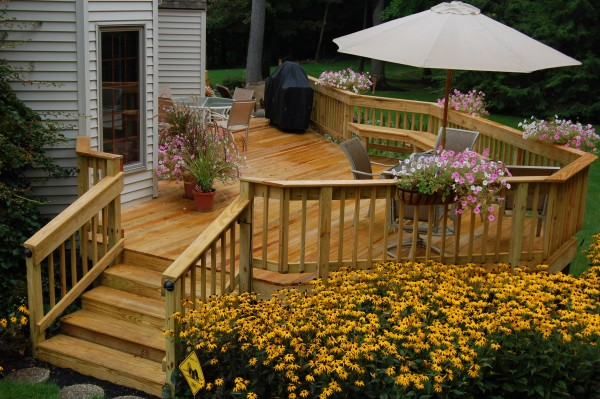 Seller Tips: Upgrade Outdoor Space to Increase Value of Home
